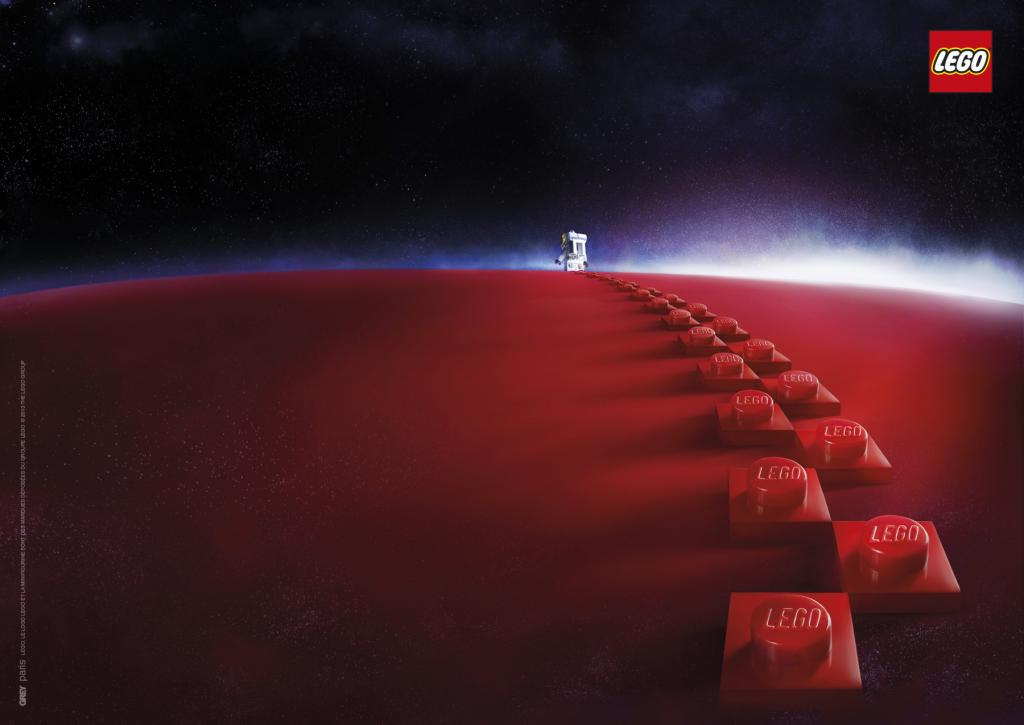 LEGO Visits The Red Planet