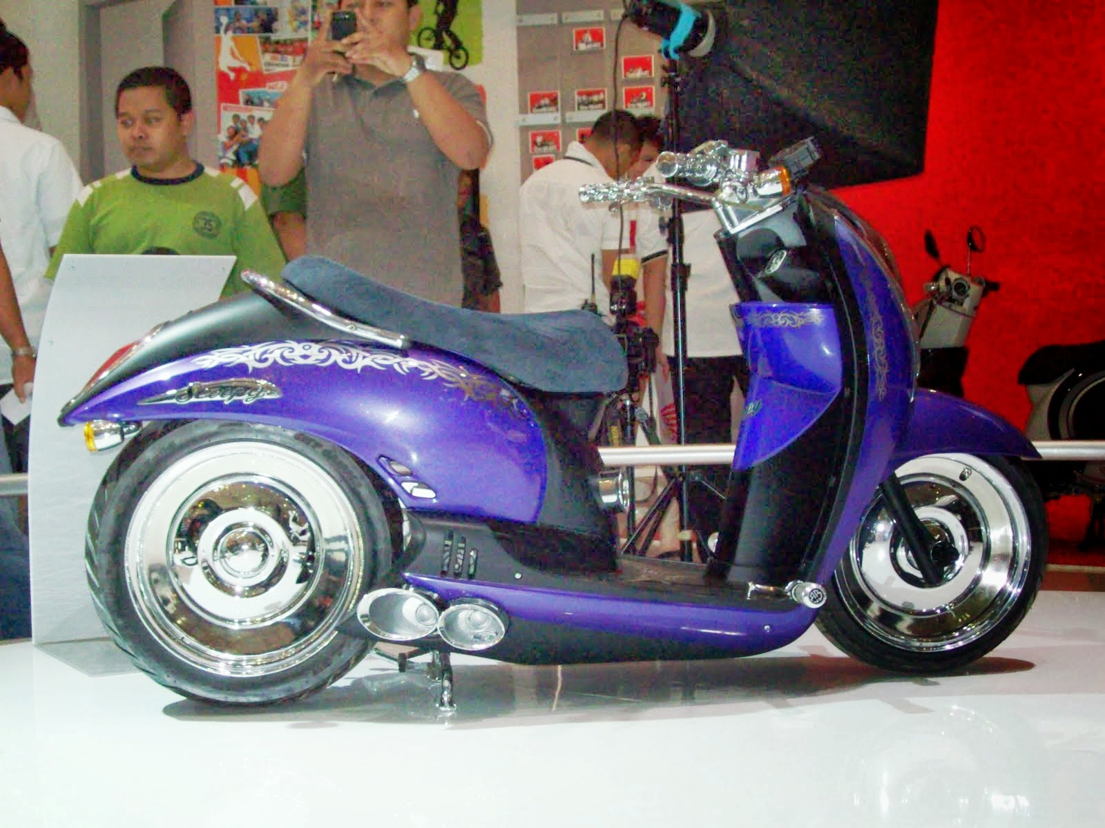 Scoopy Modifikasi Retro