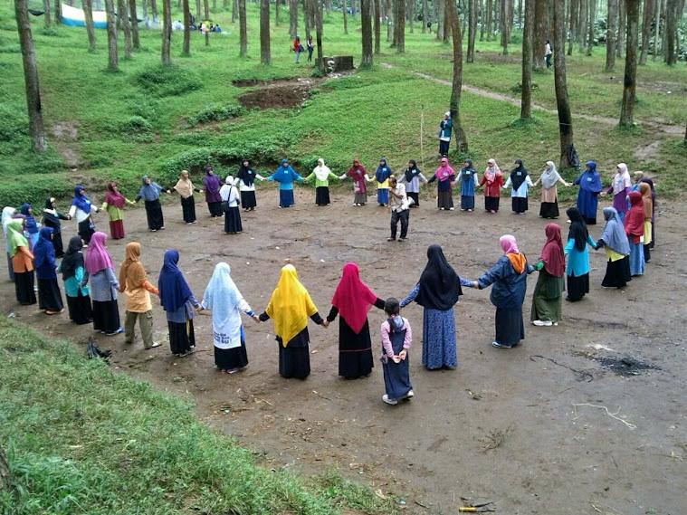 Peserta outbound dari pengurus Bidpuan PKS se-Kota Bandung