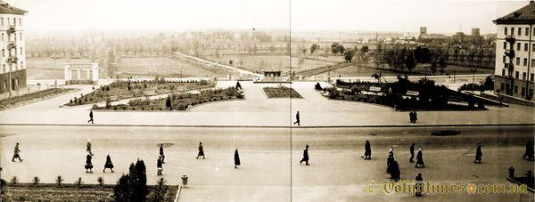 Композиція площі. Приблизно 1960 рік. Фото з архіву Р.Метельницького