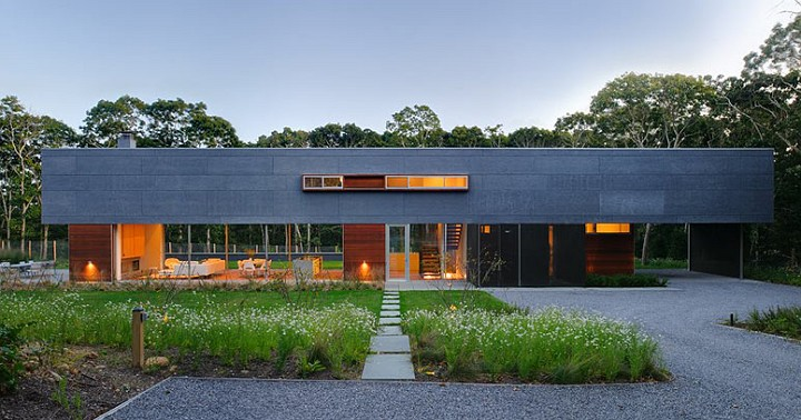 Eco-friendly Exterior by Bates Masi Architect