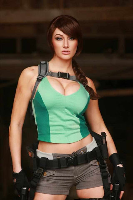 Illyne Lara Croft Cosplay