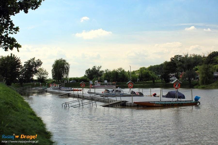 Sandomierz nad Wisłą - zalany pomost