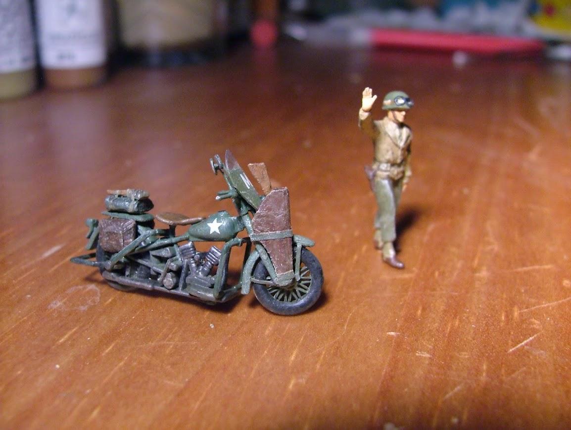 [Véhicules servitude 2014] [Academy] Harley Davidson WLA DSCF8196
