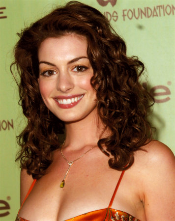 anne hathaway wardrobe malfunction. Anne Hathaway#39;s | Its Time For