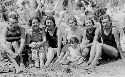 """Traje Baño Hombre Antiguo: antiguo traje de baño con """"camiseta"""" en las playas de Cartagena"""