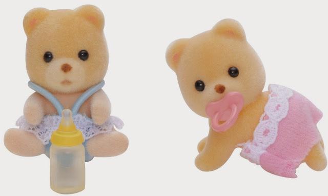 Gấu con sinh đôi Sylvanian Families 3243 với bộ lông vàng và khuôn mặt bầu bĩnh, non nớt