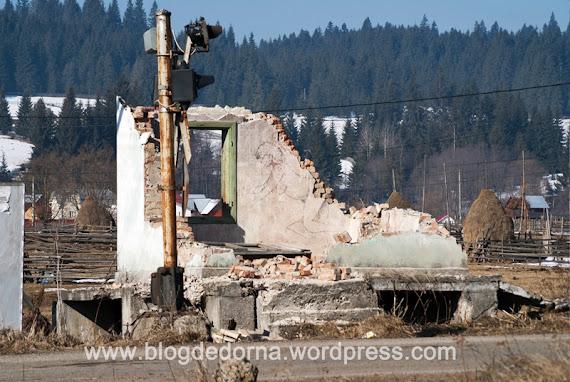 Halta Podu Coşnei, furată bucată cu bucată după ce trenurile au fost suspendate pe linia Floreni - Dornişoara