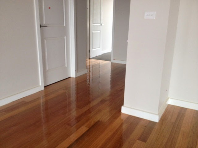 tasmanian oak floor dulux royal beige half