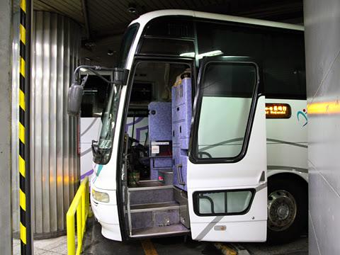 名鉄バス「グラバー号」 2608 長崎新地ターミナル到着