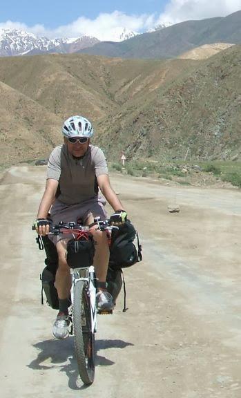 Auf der Hauptstraße Kotschkor-Naryn vor Sary Bulak, Kirgistan