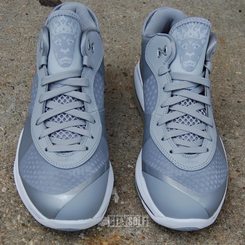 Nike LeBron VIII 8 V2 Low Metallic Silver