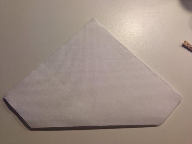 Diy pliage de serviettes en forme de sapin caract rielle - Pliage de serviette en forme de sapin ...