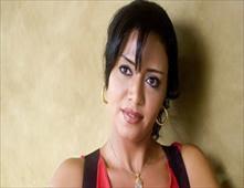 القبض على رانيا يوسف بتهمة حيازة حشيش