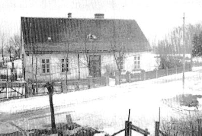 Budynek dawnej ewangelickiej szkoły ludowej w Ręszowie