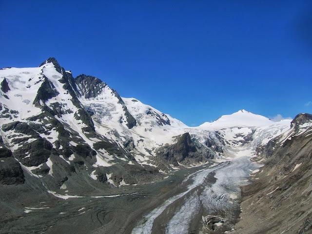 Il ghiacciaio Pasterzen e, a sinistra, il Grossglockner 3798 m slm