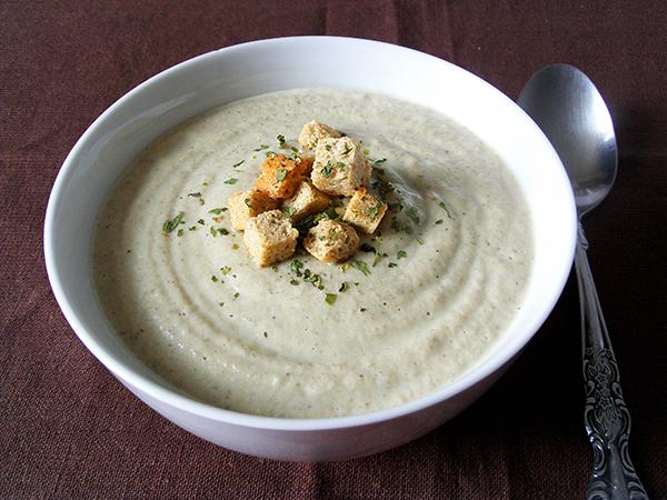 Cream of mushroom soup tinascookings.blogspot.com
