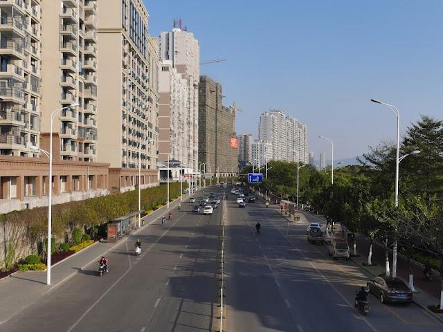 Jiangbin Road (江滨路) in Zhangzhou