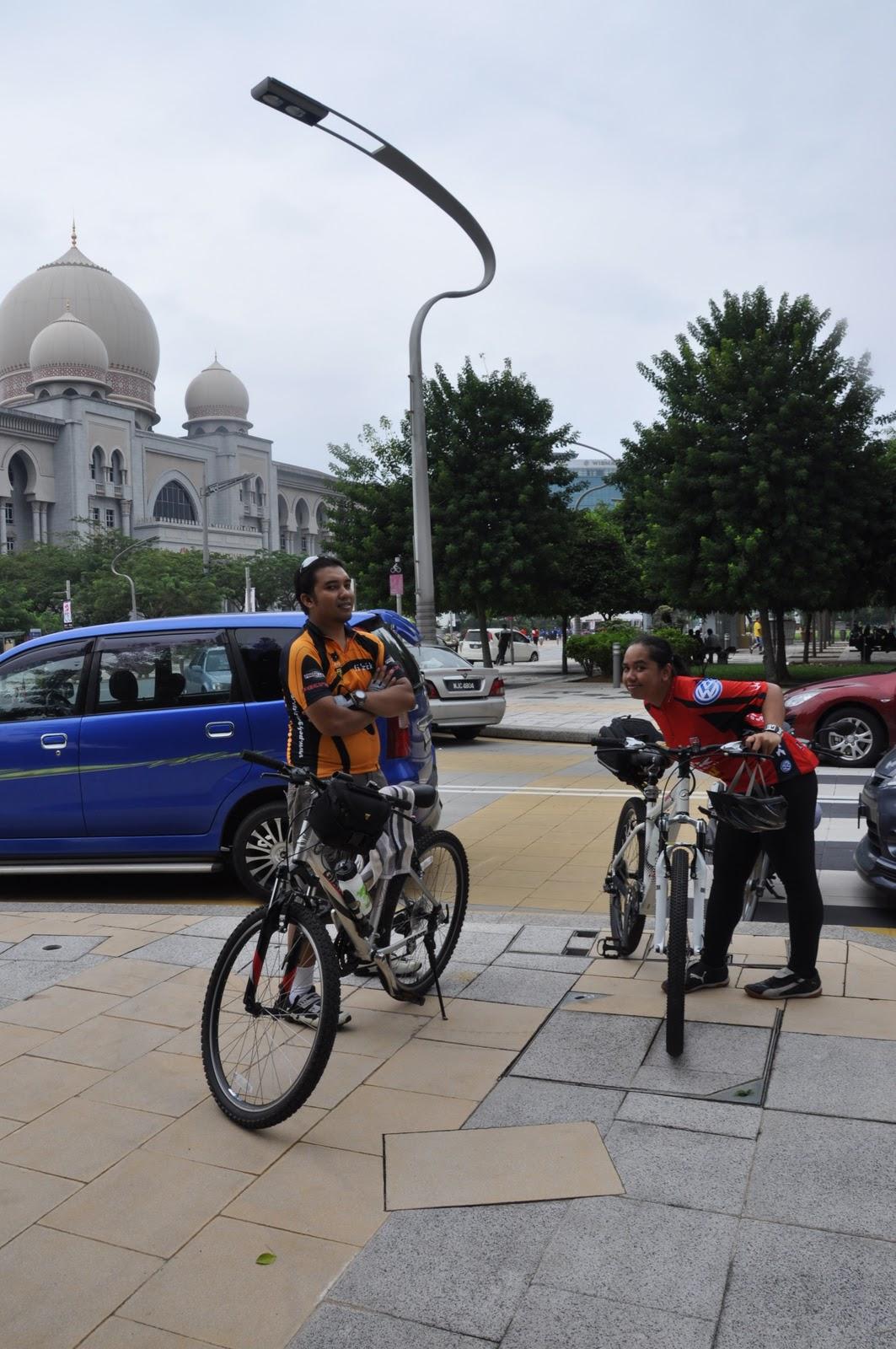 Kami Sana Sini Cabaran Kembara Basikal Bicycle Touring