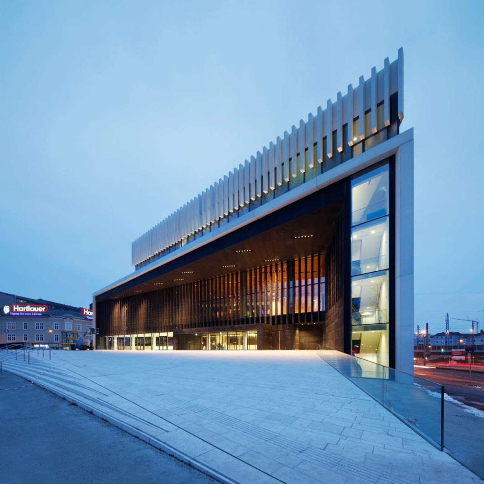 Linz, Austria: [OPERA HOUSE LINZ BY TERRY PAWSON ARCHITECTS]