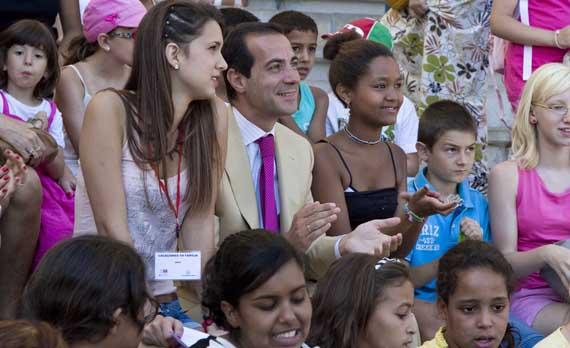 Más de 600 niños veranearán con una familia madrileña de acogida
