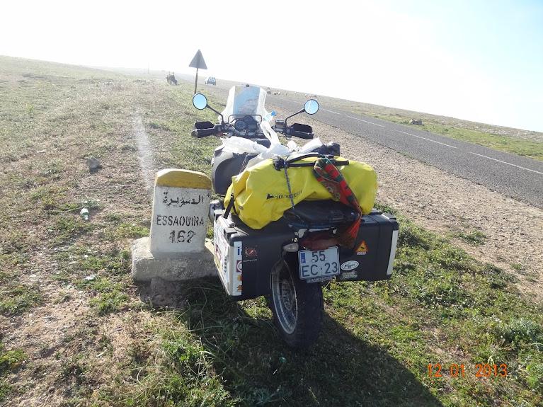 Marrocos e Mauritãnia a Queimar Pneu e Gasolina - Página 2 DSC05482