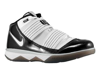 2009 lebron james shoes