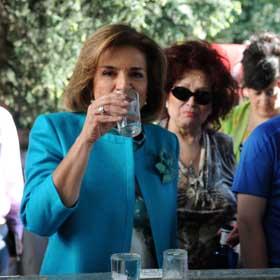 La alcaldesa de Madrid pide a San Isidro trabajo para todos los españoles