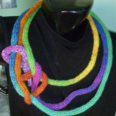 Collier au tricotin