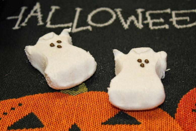 Easy Halloween Decoration Ideas: Halloween-Themed Candy