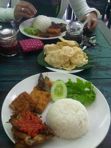 Nasi Ayam Bakar-Nasi Ayam Penyet-Emping