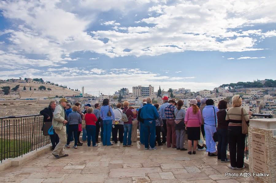 Город Давида, смотровая площадка. Панорама: Масличная гора и Геенна Огненная. Экскурсия в Иерусалиме Светланы Фиалковой.