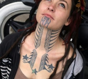 women neck tattoos
