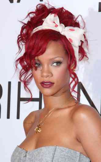 Rihanna Red Hair Celebrity Fashion Style 2011 Celebrity Fashion Clothing And Style