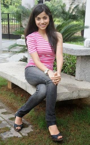Aparnaa Bajpai Photos