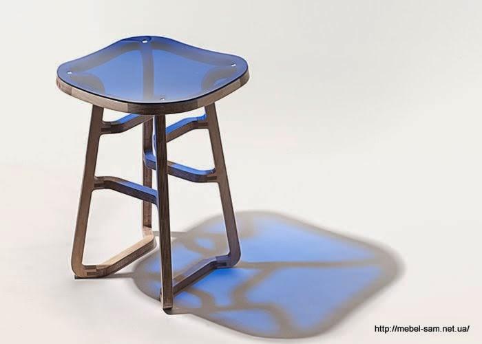 Фанерный стул имеет изящную и легкую конструкцию