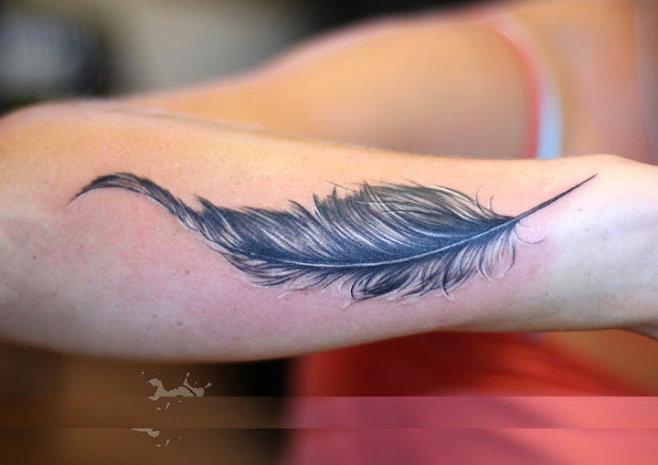 50 best feather tattoo designs and ideas girls who want upper back tattoo then this is best for them birds and feather is the great matching urmus Images