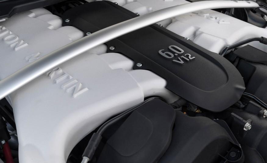 Động cơ V12 của Aston Martin là huyền thoại một thời...nhưng giờ bị xem là lỗi thời