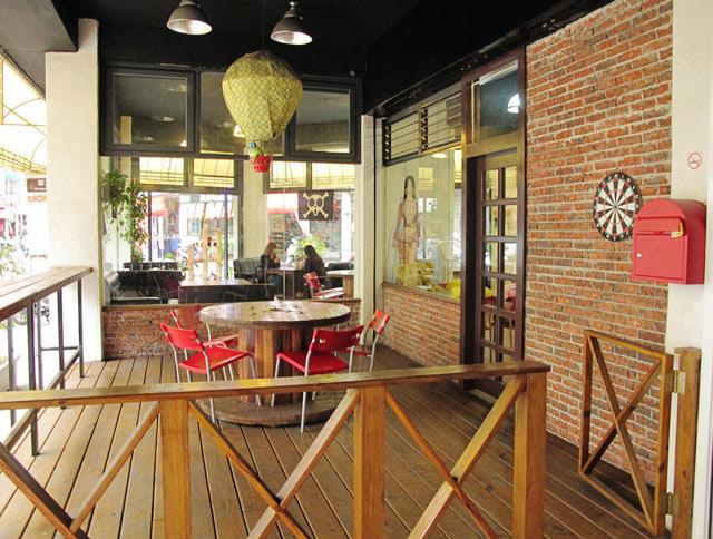 戶外的用餐空間也寬敞的太誇張了吧XD-LV5.5 新人類樂園海賊王主題餐廳
