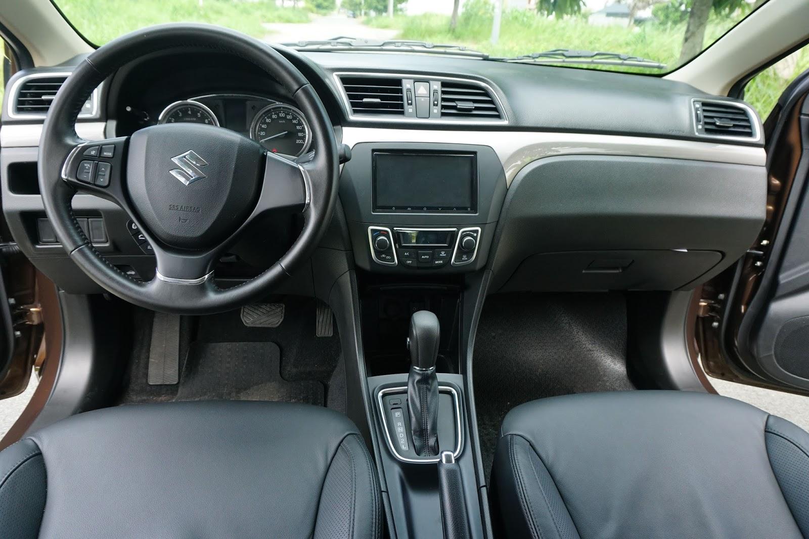Suzuki Ciaz 2016 có nội thất được đánh giá cao