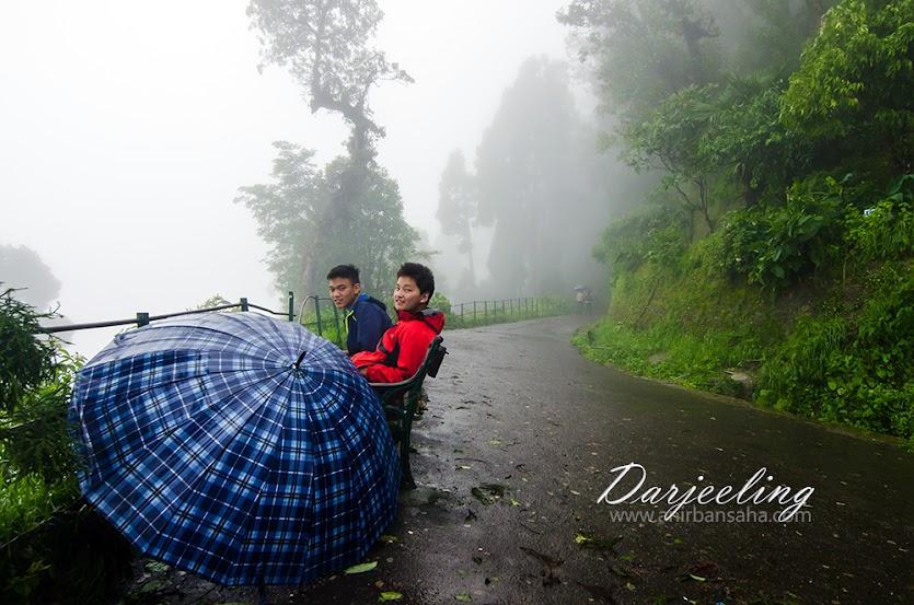 darjeeling, monsoon, darjeeling monsoon, darjeeling kids, colours, darjeeling rain,