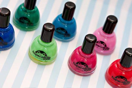 Acrylic nails harmful chemicals
