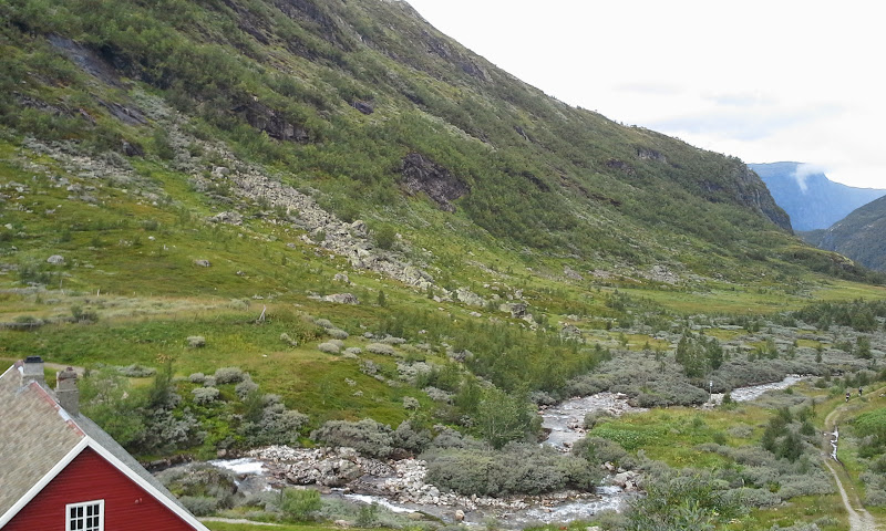 start of hiking and biking route to Flam from Myrdal