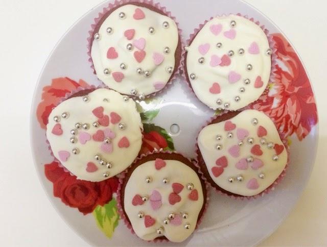baking-red-velvet-cupcakes