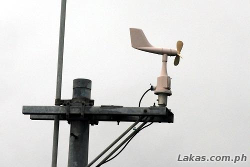 Aerovane, measures the velocity of the wind