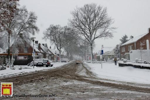 eerste sneeuwval in overloon 07-12-2012  (36).JPG