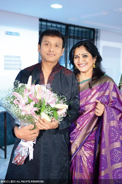 Unnikrishnan and Priya arrive at Urmitapa and Kaushik's wedding ceremony, held in the city recently.