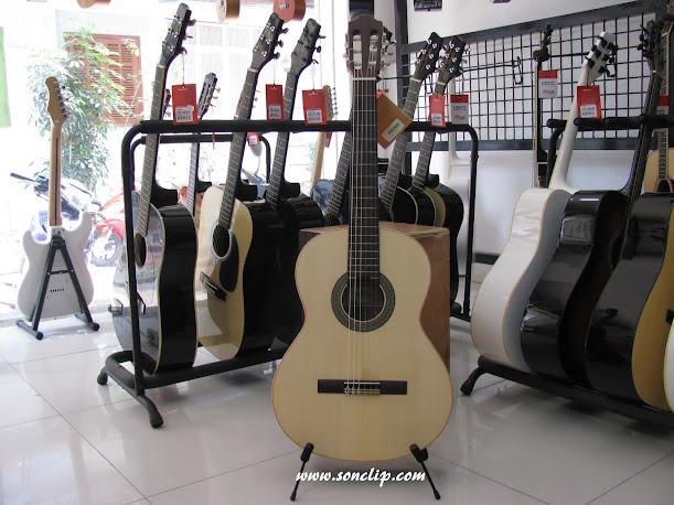 Đàn Guitar Classic - Almansa 401
