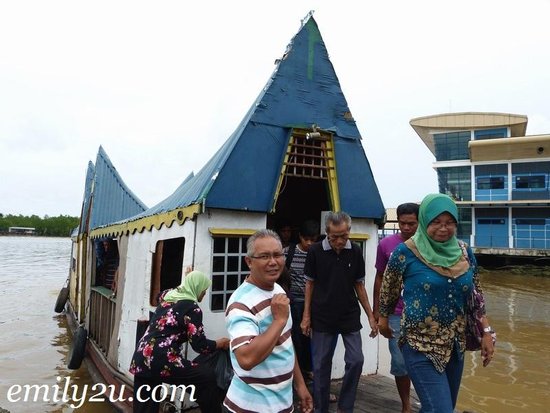Water Taxi to Pulau Jepak, Bintulu, Sarawak