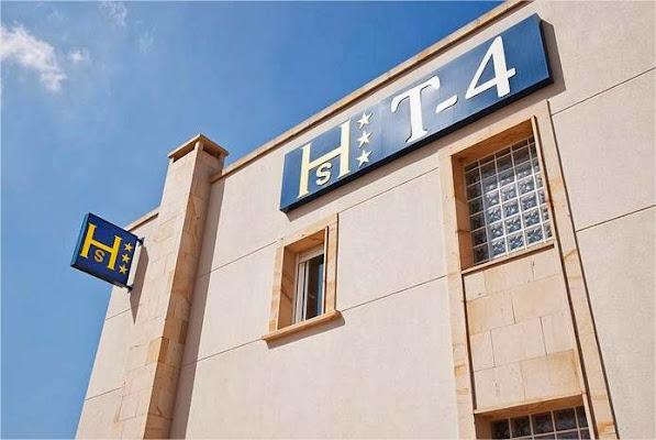 Hostal T4, Polígono Industrial de Paracuellos del Jarama, Calle de las Escombreras, 2, 28860 Paracuellos de Jarama, Madrid, Spain